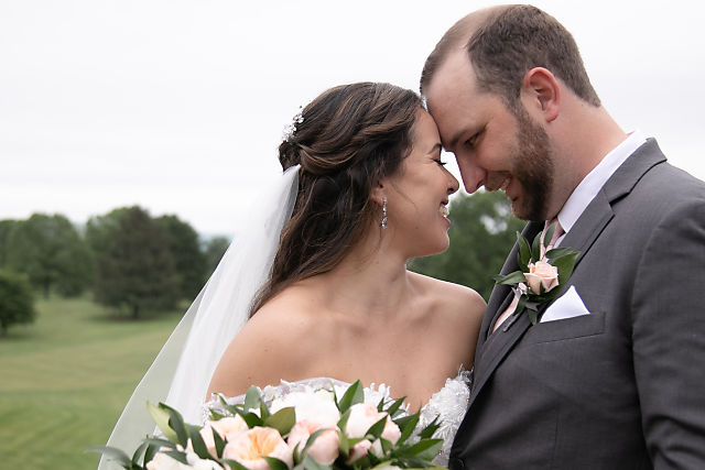 bride and groom at Shenandoah Valley golf club