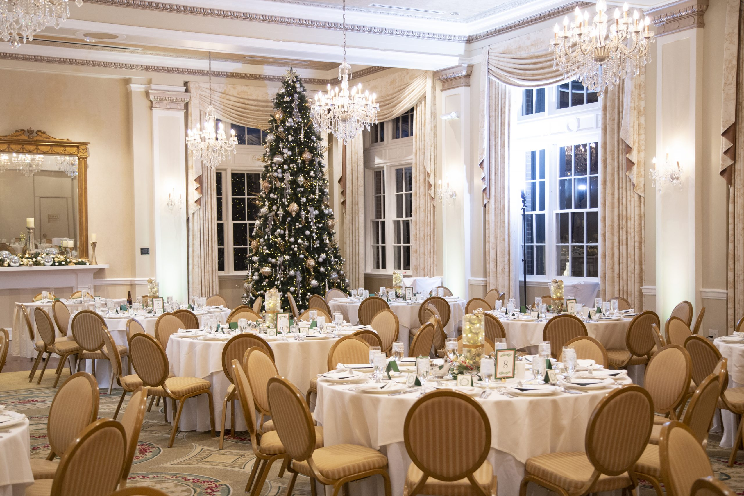 ballroom setup for George Washington hotel christmas wedding