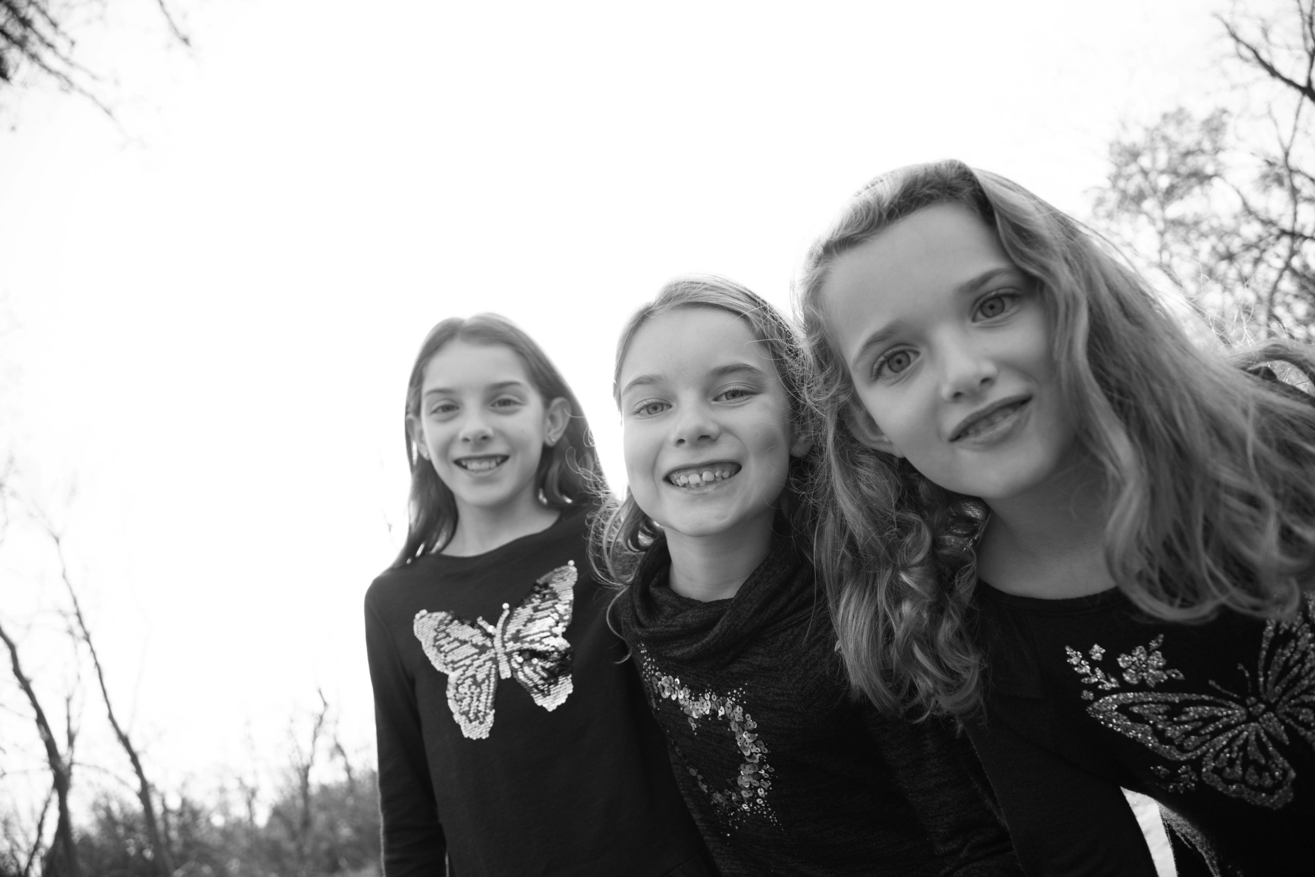 black and white photo of sisters. Loudoun County photographer